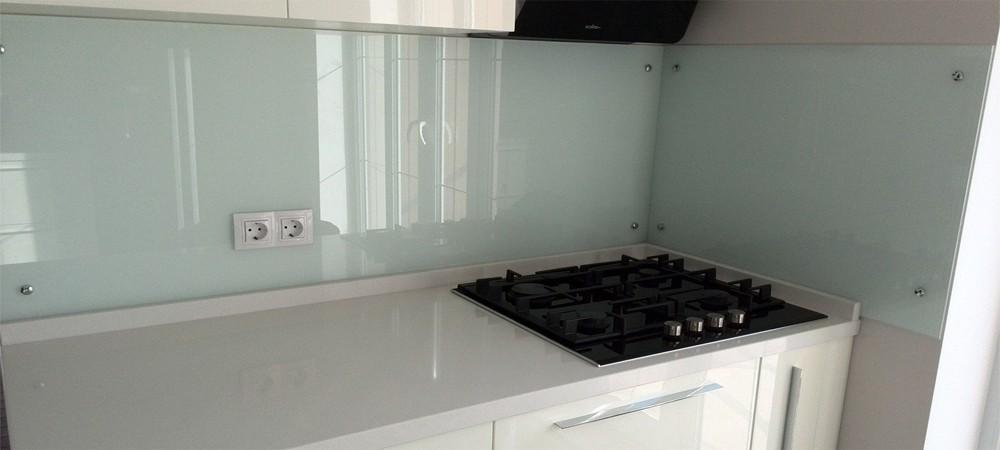 Кухонный фартук из закаленного стекла